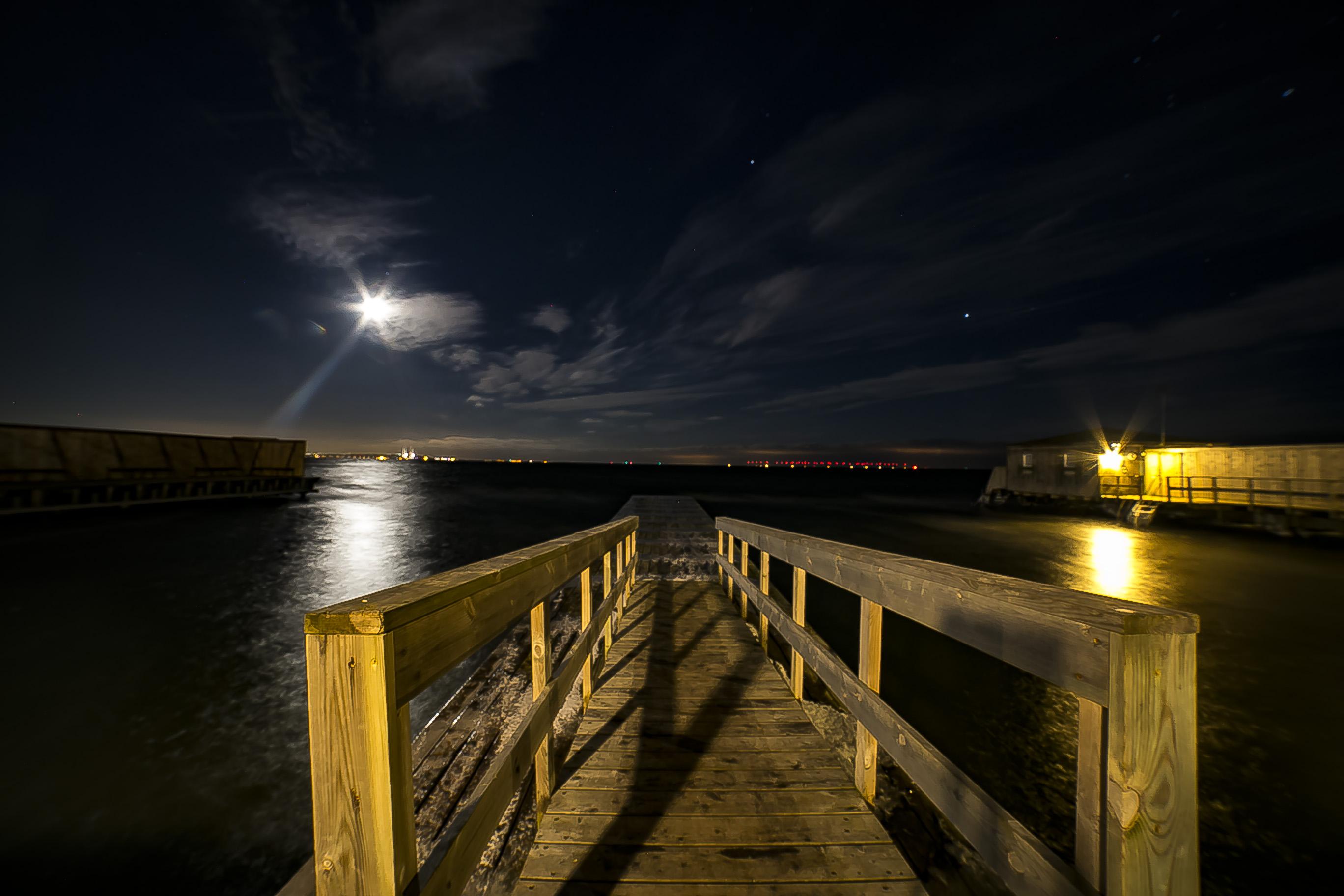 Dragør søbad i måneskin (Danmark)